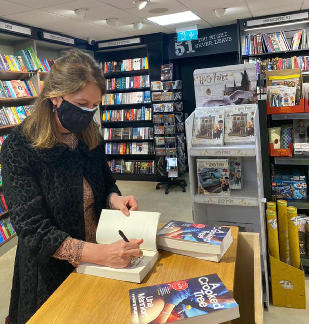 Una Mannion Book Signing Easons Sligo